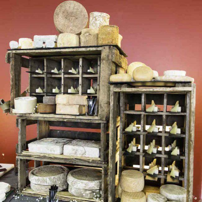 Buffet fromages fromagerie l'épicurium La Rochelle (38)